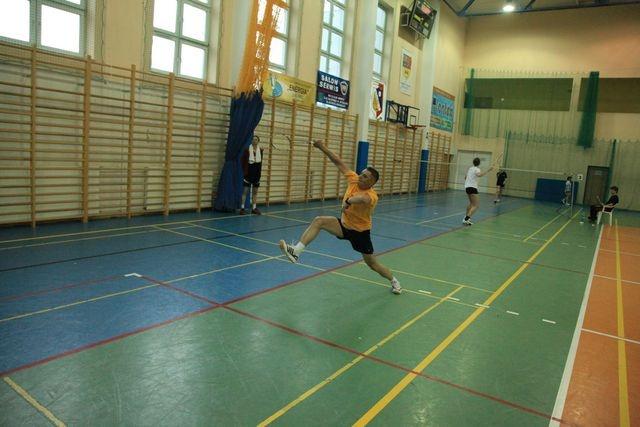 """VI Powiatowy Turniej Badmintona """"O puchar Starosty"""""""