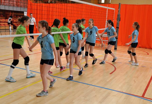 """Rozgrywki minisiatkówki dziewcząt """"Kinder + Sport"""" – Londyn 2012"""