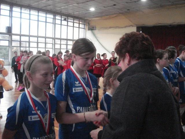 Srebrne medale dziewcząt ASPR-u Pawonków – Zawadzkie w lidze wojewódzkiej